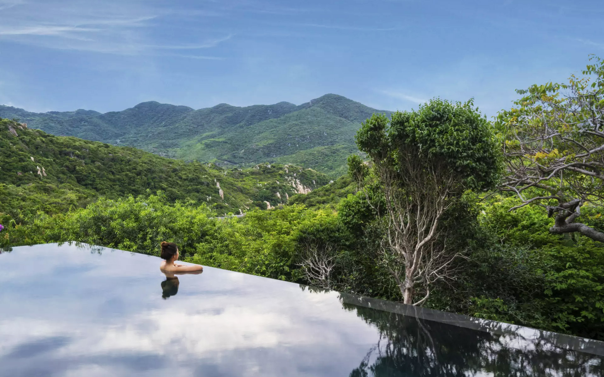 8-most-romantic-getaways-honeymoons-in-vietnam-6