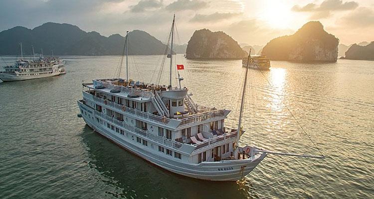 Paradise_Luxury_Cruise_1