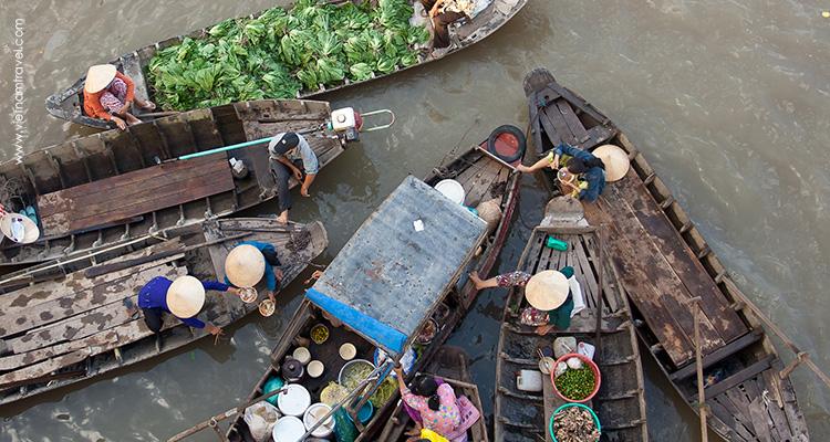 Vietnam-Cai-Rang-floating-3