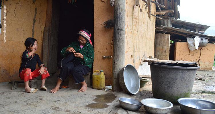 Vietnam-Hagiang-Dzaoethnicvillage-3