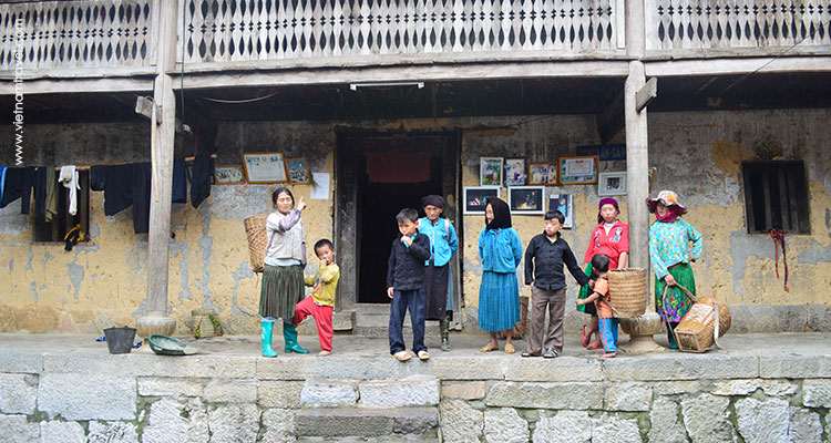 Vietnam-Hagiang-SunglawhiteHmongvillage-5