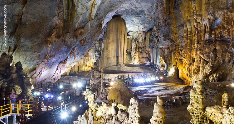 Vietnam-Quang-Binh-Quang-Tri-Paradise-Cave-1