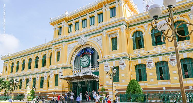 Vietnam-Saigon-City's-Centre-Post-Office-2