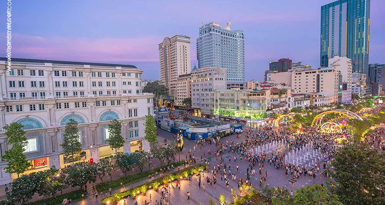 Vietnam-Saigon-Nguyen-Hue-streets-2