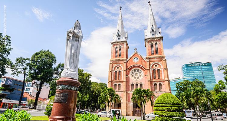 Vietnam-Saigon-Romanesque-Notre-Dame-Cathedral-3