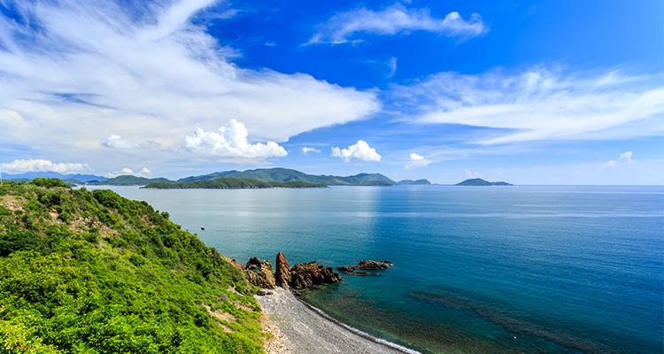 Vietnam-Vinh Hy Bay-1