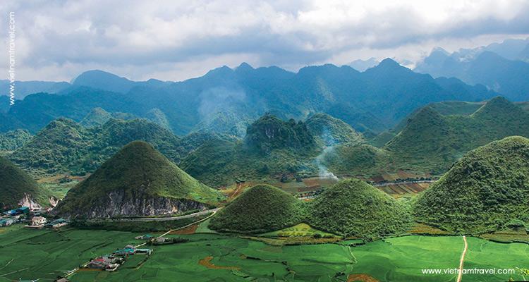 Twin Mountains (Nui Doi Quan Ba)