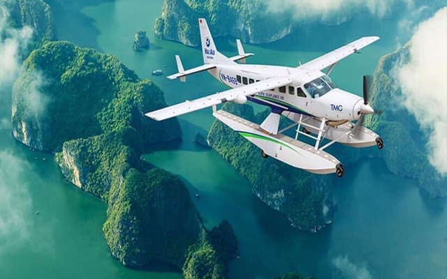 Seaplane Scenic Flight & Halong Bay Cruise