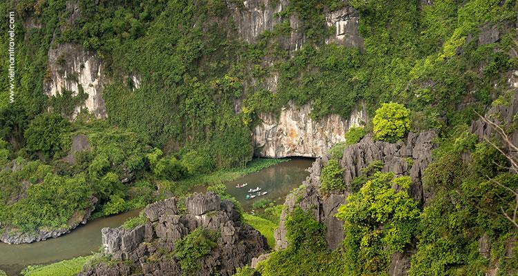 Vietnam-Ninh-Binh-Tam-coc-Bich-dong-1