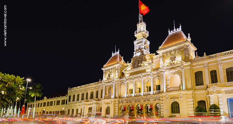 Vietnam-Saigon--the-City-Hall-3