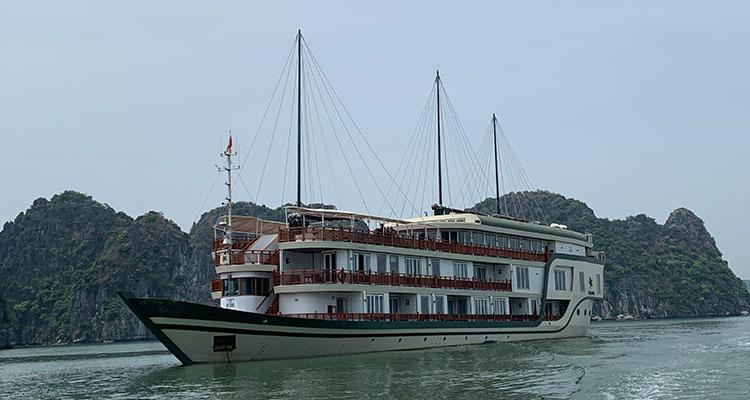 Ylang-Cruise-Halong-2