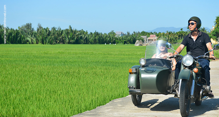Motorbike-from-Hue-to-Hoian