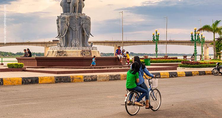Day 9: Siem Reap – Horse ride – Kampong Phluk.