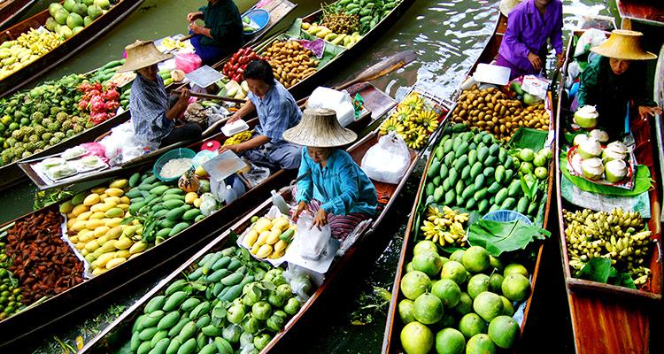Day 2: Visit Damnoen Saduak Floating Market & Thai Cooking Class.