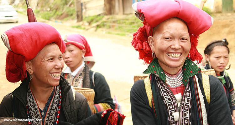 Day 3: Ta Van – Lao Chai – Y Linh Ho – Sapa.