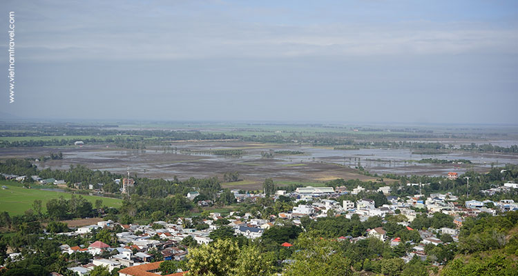 Day 4: Phnom Penh City Tour – Chau Doc.