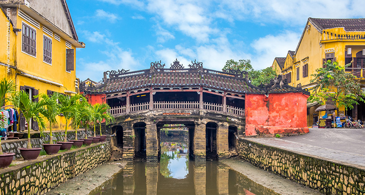 Day 2: Danang – Hoian Walking Tour.