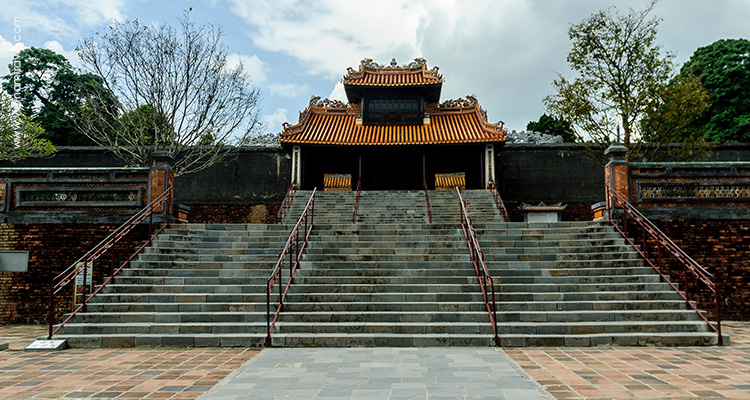 Vietnam-Hue-The-The-Mausoleum-of-King-Tu-Duc-1