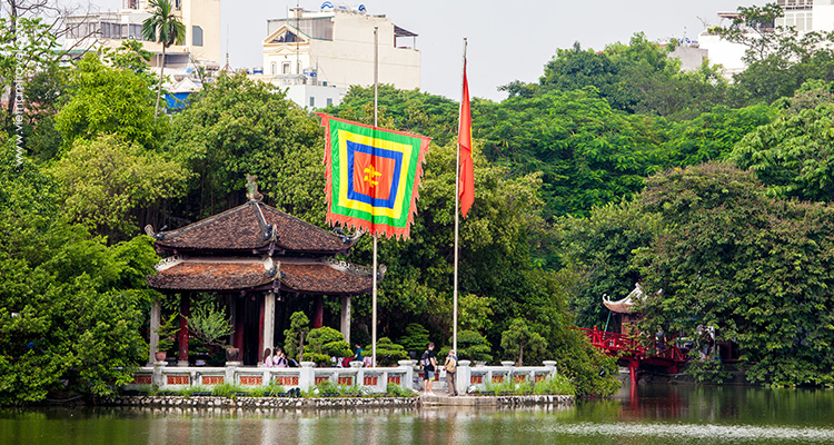Things to do in Hanoi - visit Ngoc Son Temple