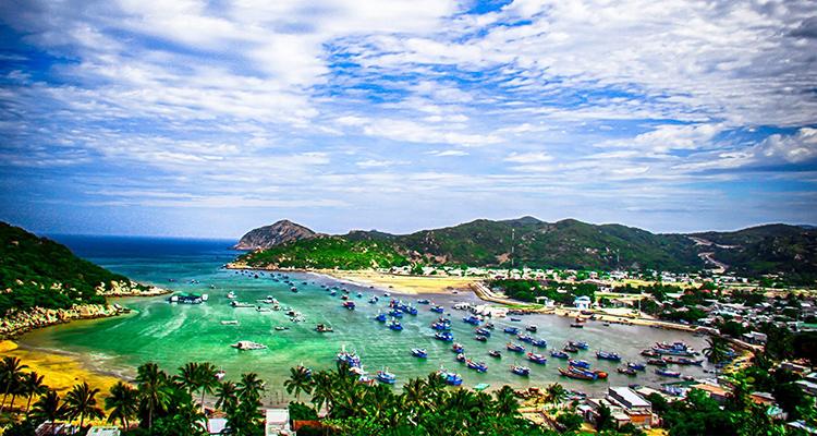 Day 1: Nha Trang Airport – Transfer to Vinh Hy.