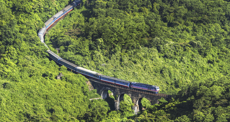 Travel to Vietnam from Shanghai by train