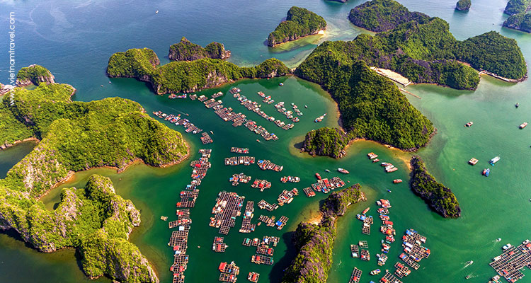 floating village on Halong Bay
