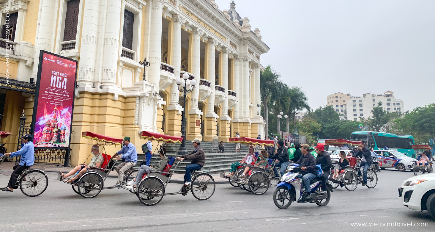 Travelers to Vietnam in April 2019