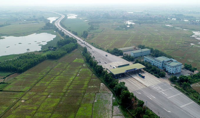 Noi Bai - Lao Cai Expressway