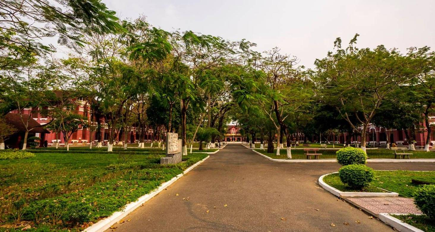 The playground of Hai Ba Trung high school is quiet