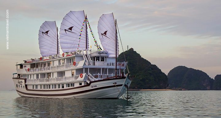 Signature Royal Cruise vietnam