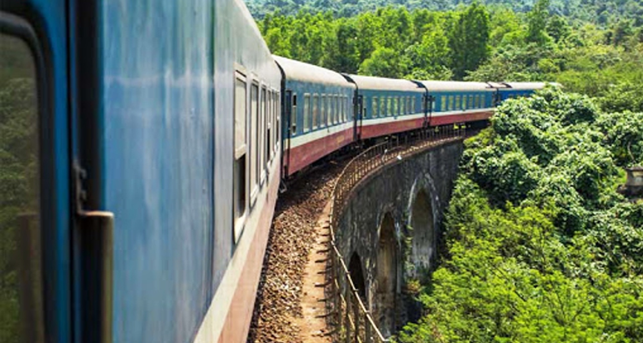 travel to sapa by train