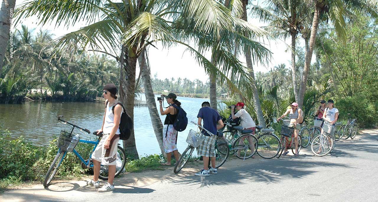biking meking delta vietnam