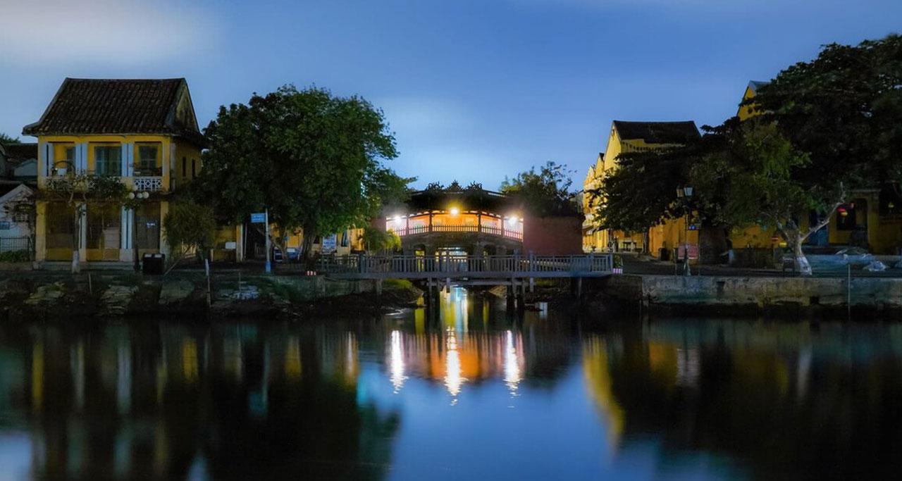 pagoda-bridge-hoian