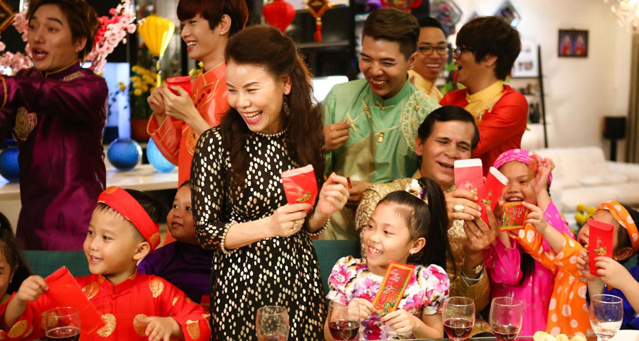 Lucky Money - Red Envelope in Vietnam