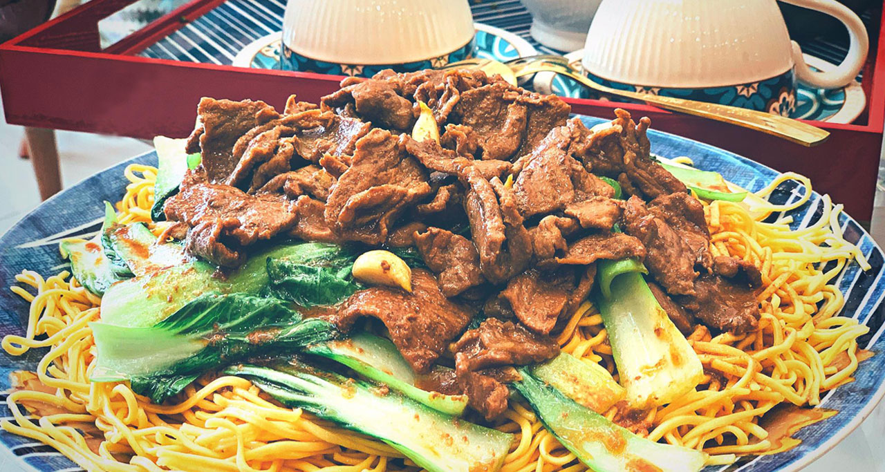My Xao Bo (fried beef noodles) is a common dish in Vietnam which is sold in restaurants or food stalls
