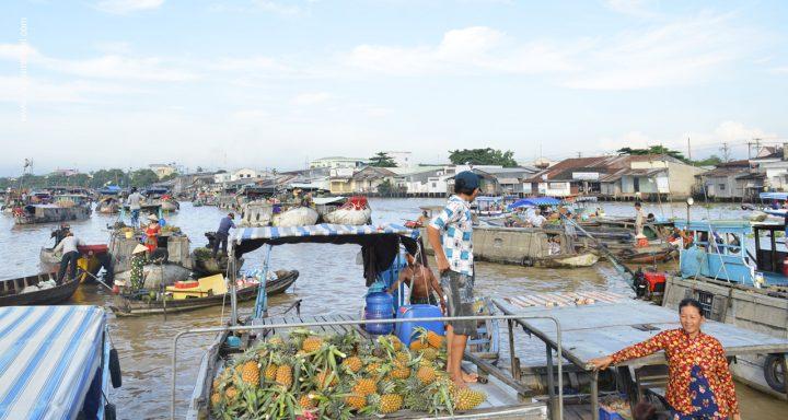 Cai Rang Floating Market - the largest floating market in Mekong Delta, Vietnam