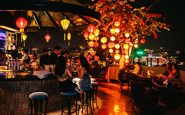 8 Best Rooftop Bars in Hanoi