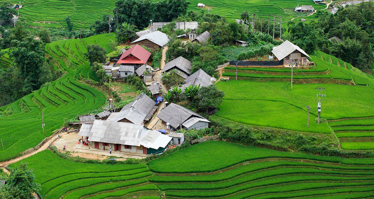 a village in Muong Hoa Valley, Sapa