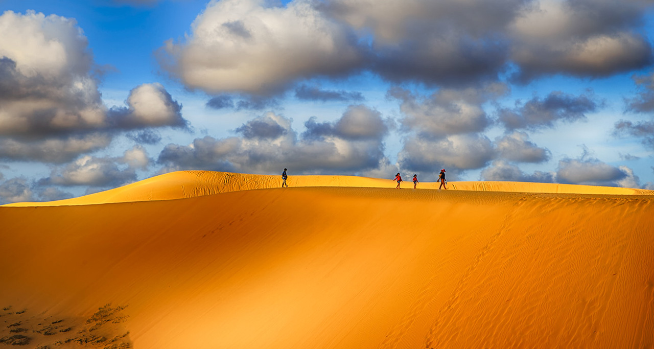 beautiful sand dunes in Mui Ne