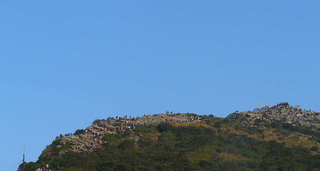 Visit-Yen-Tu-Pagoda-3