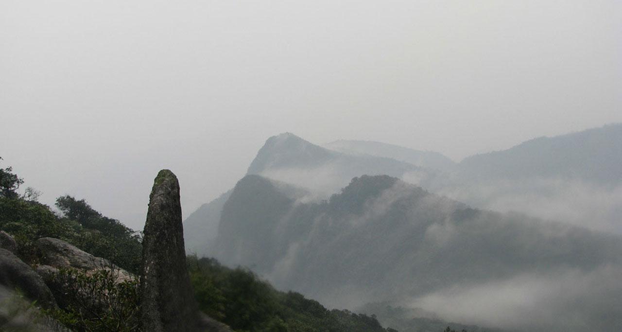 Visit-Yen-Tu-Pagoda-4