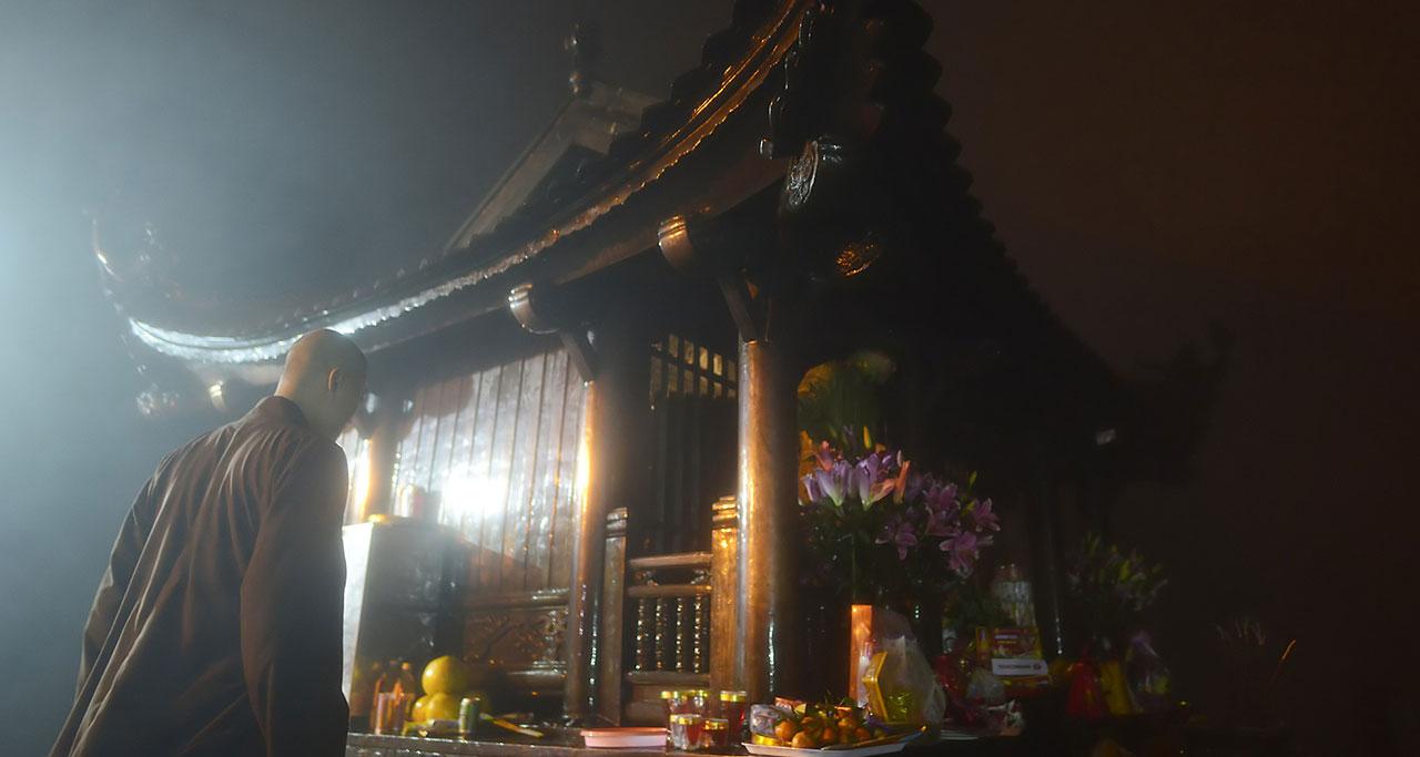 Visit-Yen-Tu-Pagoda-5
