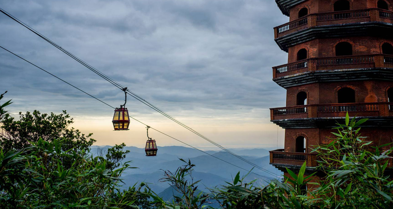 Visit-Yen-Tu-Pagoda-7