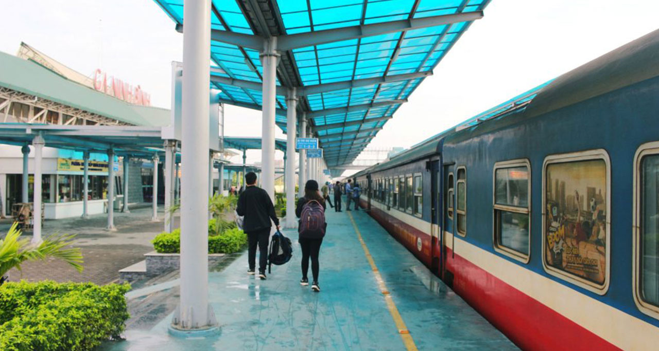 The train departs daily and takes about 2-3 hours (from Hanoi)