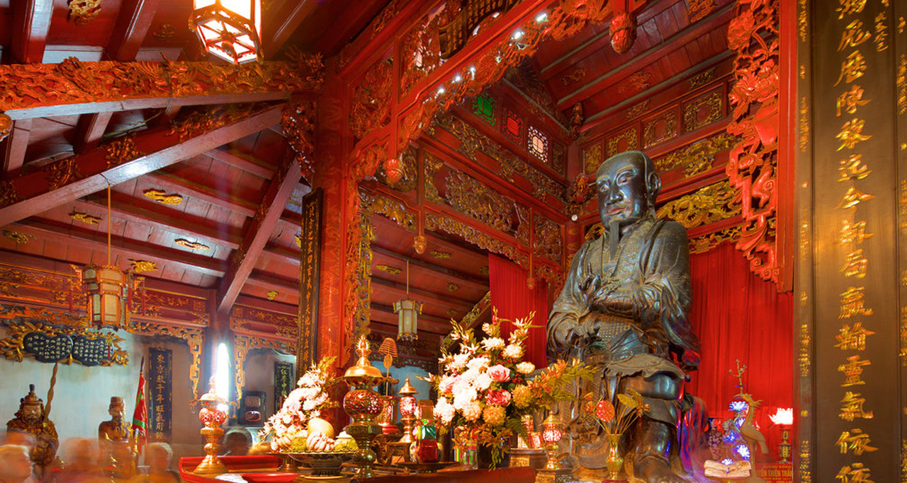 Inside of Quan Thanh Temple