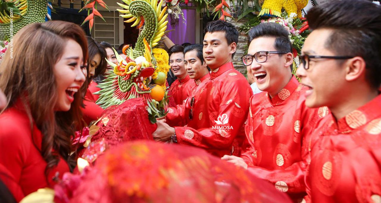"""Vietnamese Tea Ceremony - """"Trap cuoi"""""""