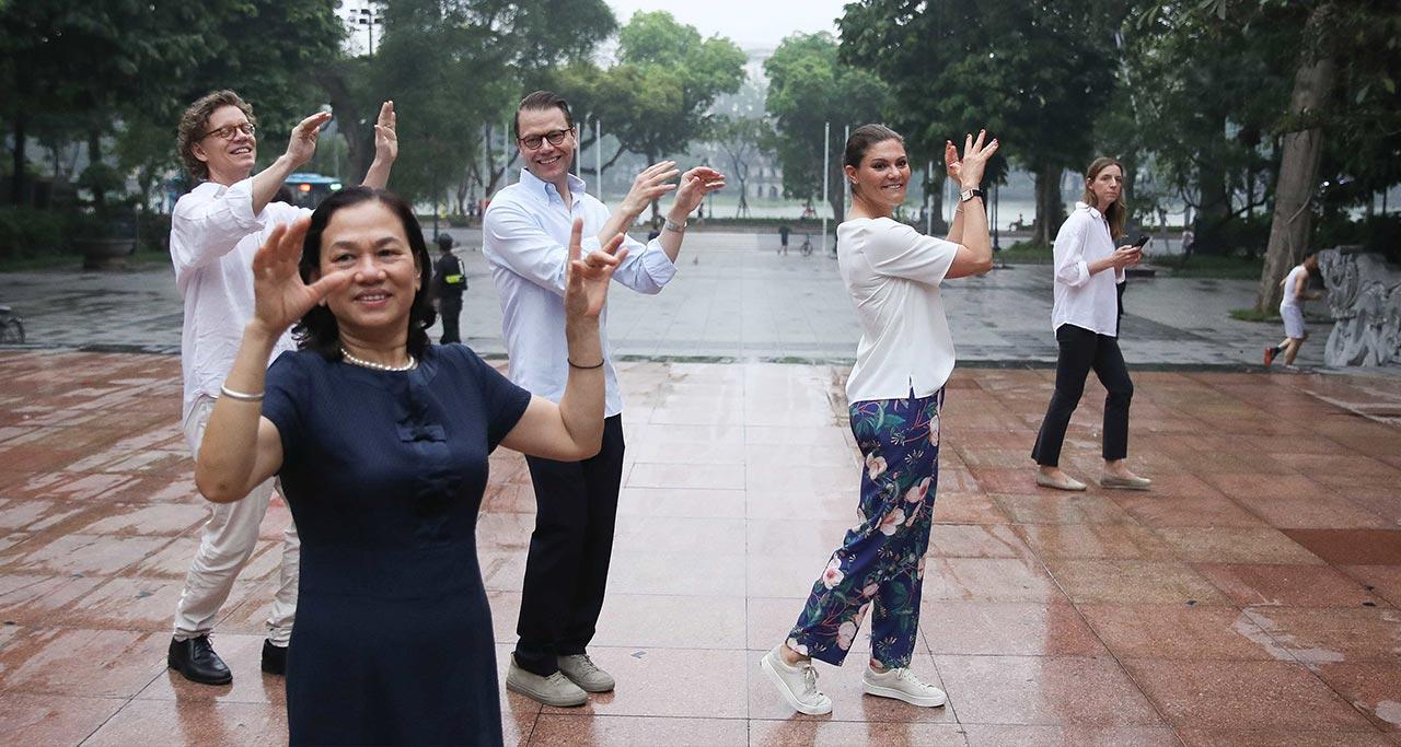 Taichi class and Dancing in front of Hoan Kiem Lake.