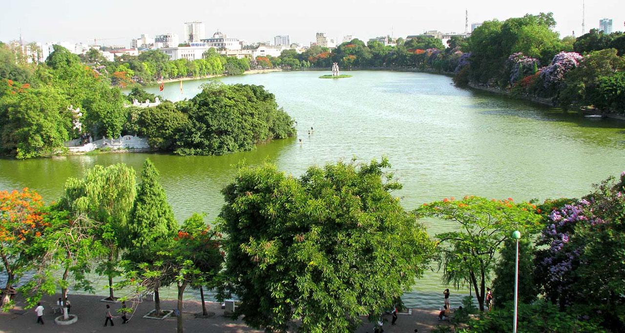 Hoan Kiem lake Overview