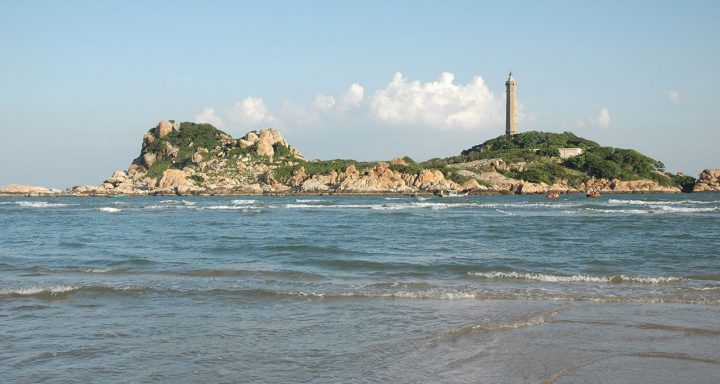 Ke Ga Lighthouse – the tallest lighthouse in Vietnam, is always attached to Ke Ga Beach.