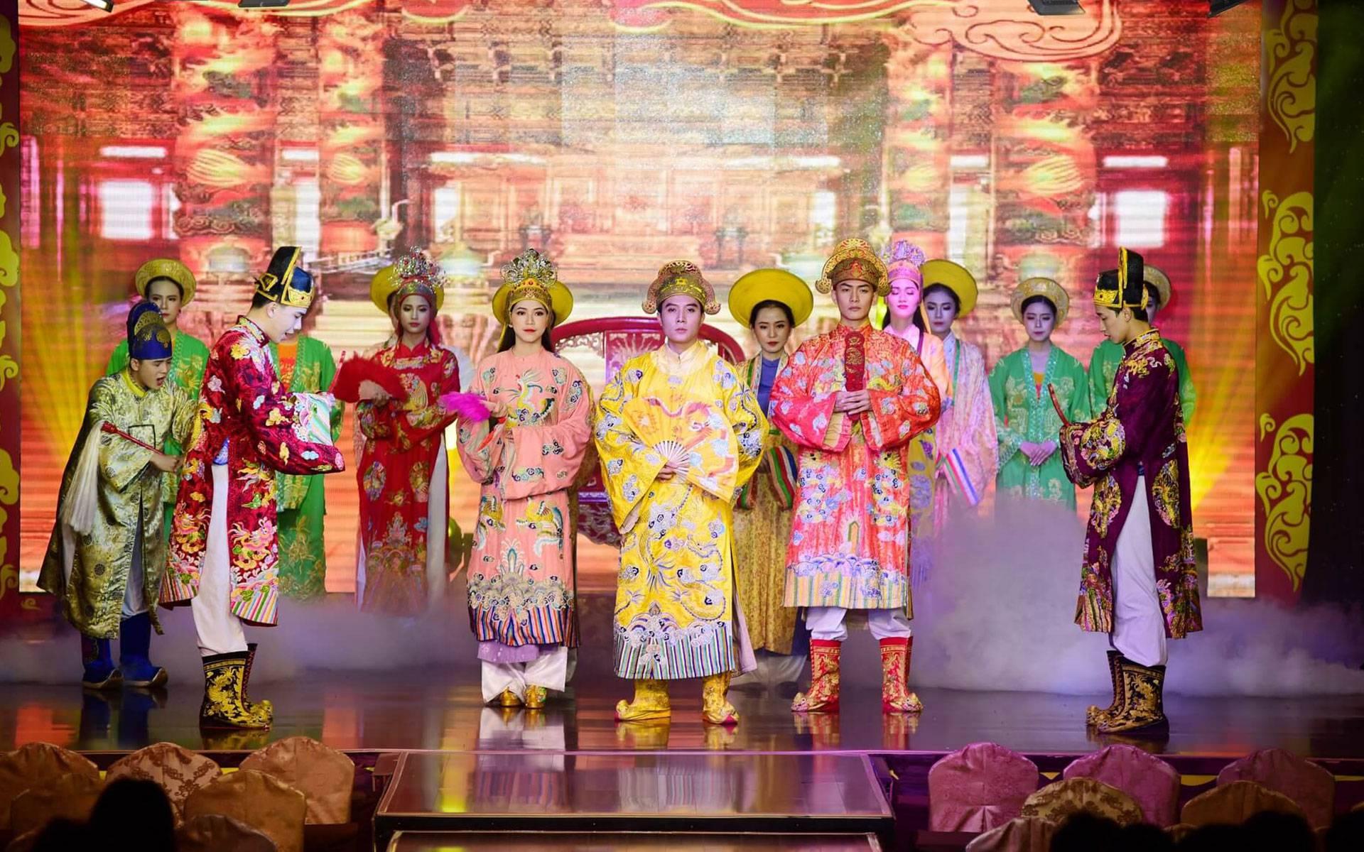 Hue Royal Show - Ao Dai Show